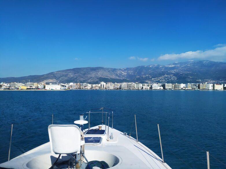 Δύο ακυβέρνητα σκάφη λόγω ανέμου στον Παγασητικό
