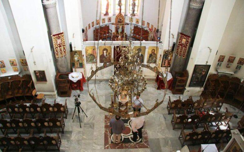 Αναστέλλονται όλες οι θρησκευτικές λειτουργίες με απόφαση της κυβέρνησης