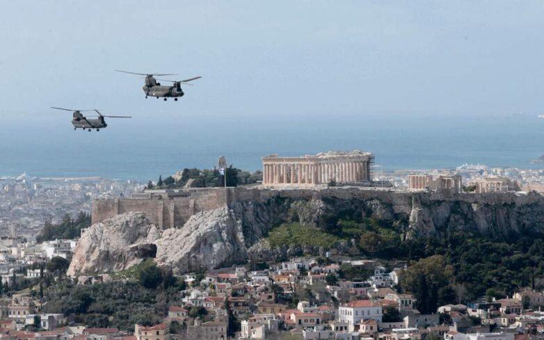 Εθνική επέτειος 25ης Μαρτίου: Mirage και ελικόπτερα πέταξαν πάνω από την Αθήνα