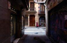 Φρίκη στην Ισπανία: Πτώματα μέσα σε γηροκομεία και παγοδρόμια – νεκροτομεία
