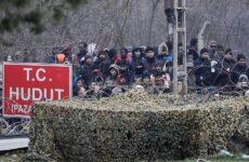 Η Τουρκία κλείνει τα σύνορα με Ελλάδα και Βουλγαρία