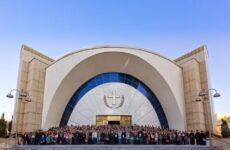 Η Εκκλησία της Αλβανίας  ένα πραγματικό θαύμα του αρχιεπισκόπου Γιαννουλάτου
