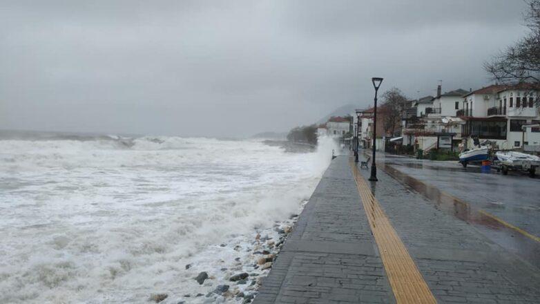 Βροχές και ισχυροί βοριάδες στο Αιγαίο