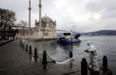 Διήμερο «λουκέτο» σε 31 πόλεις της Τουρκίας – Ξεπέρασαν τους 1.000 οι νεκροί