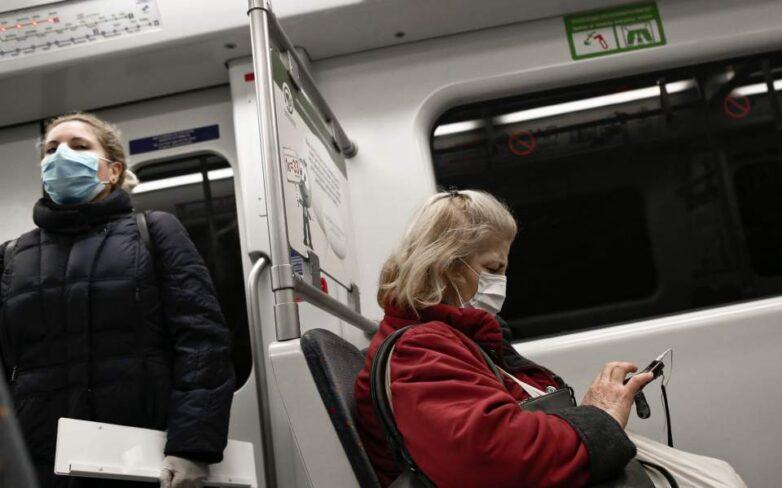 Υποχρεωτική η μάσκα στις δημόσιες συγκοινωνίες