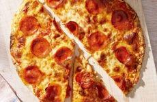 Πίτσες σε βάση τορτίγιας