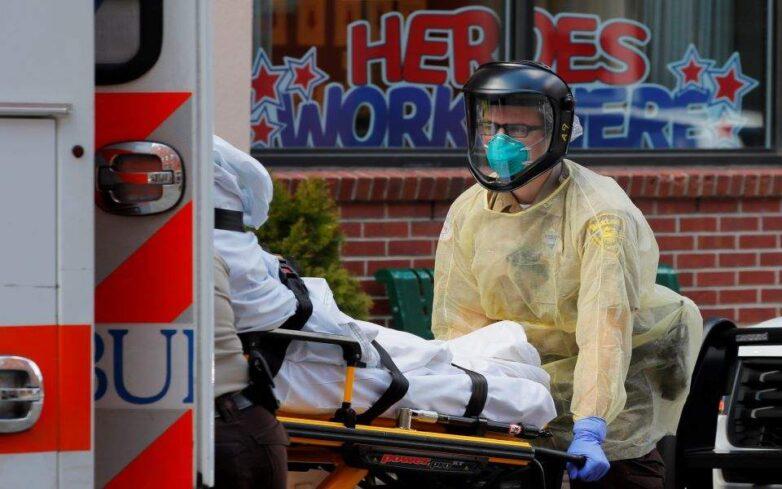 Κορωνοϊός: Σχεδόν 2.000 θάνατοι σε ένα 24ωρο στις ΗΠΑ – Ο βαρύτερος ημερήσιος απολογισμός παγκοσμίως