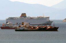 Καταπλέει στον Πειραιά το «Ελ. Βενιζέλος» – 119 κρούσματα μεταξύ των επιβατών