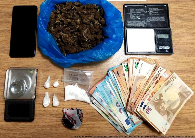Συνελήφθη με ποσότητες κοκαΐνης και χασίς
