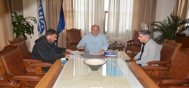Υπογράφηκε η σύμβαση για το έργο διαμόρφωσης των οδών Ζάχου και Καραμπατζάκη