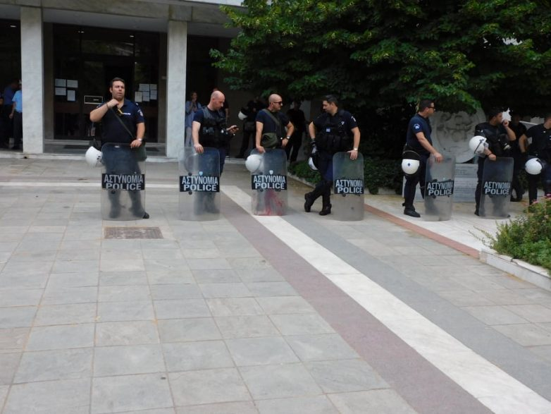 Αστυνομική δύναμη στο Περιφερειακό Συμβούλιο Θεσσαλίας