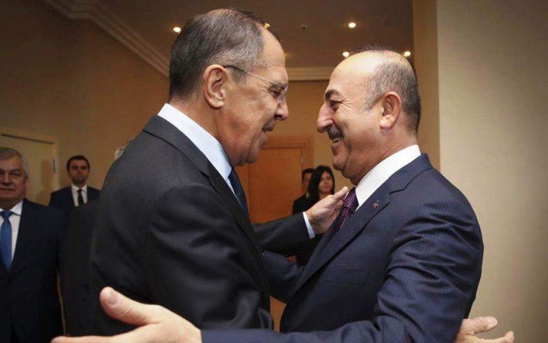 Αναβλήθηκε χωρίς εξηγήσεις η συνάντηση Λαβρόφ – Τσαβούσογλου για την Λιβύη