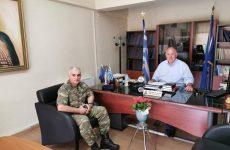 Συνάντησηδημάρχου Ρήγα Φεραίου με τον διοικητή του 304 ΠΕΒ