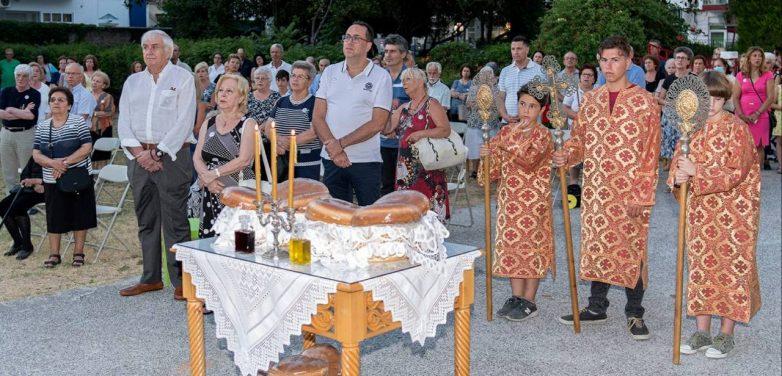 Λαμπρός ο εορτασμός του Αγίου Παντελεήμονος στο Βόλο