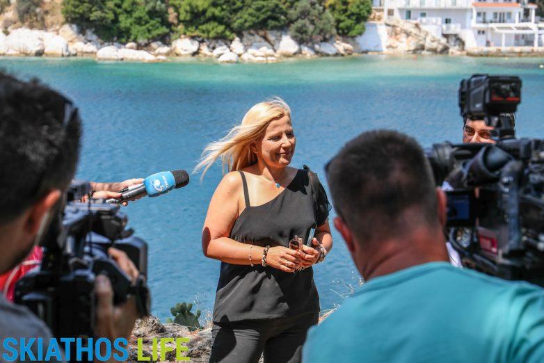Πρωταγωνίστρια η Σκιάθος στα μεγαλύτερα τηλεοπτικά δίκτυα της Ρουμανίας