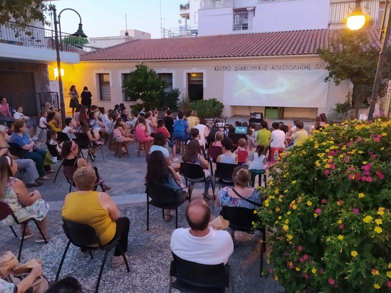 Παιδιά και γονείς απόλαυσαν τον κινηματογράφο του ΚΔΑΠ Προσφυγικών
