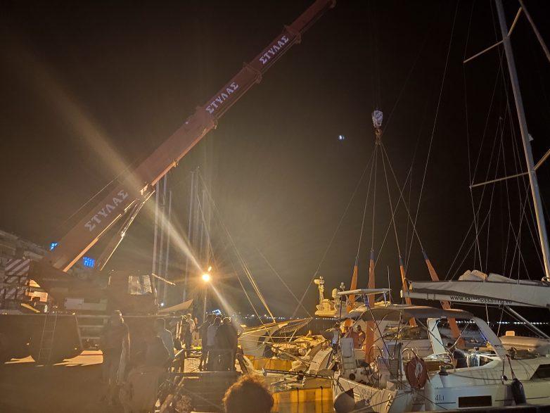 Ταχύπλοο βυθίστηκε στο λιμάνι του Βόλου