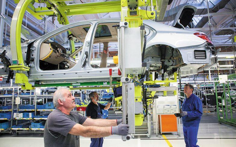 Αντιδράσεις αυτοκινητοβιομηχανιών για το νέο όριο ρύπων