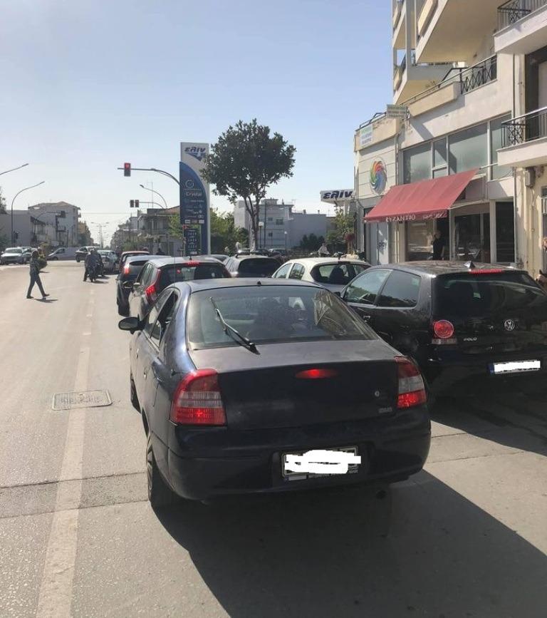 Κυκλοφοριακή αναστάτωση και έντονες διαμαρτυρίες οδηγών στη Λεωφόρο Ειρήνης