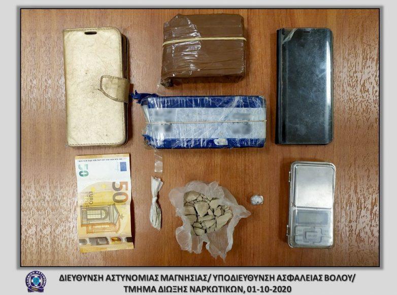 Σύλληψη δύο γυναικών με πάνω από μισό κιλό ηρωίνης