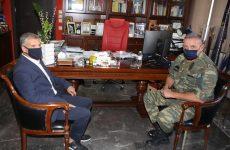 Επίσκεψη του Αρχηγού ΓΕΕΘΑ Στρατηγού Κ. Φλώρου στον περιφερειάρχη Θεσσαλίας