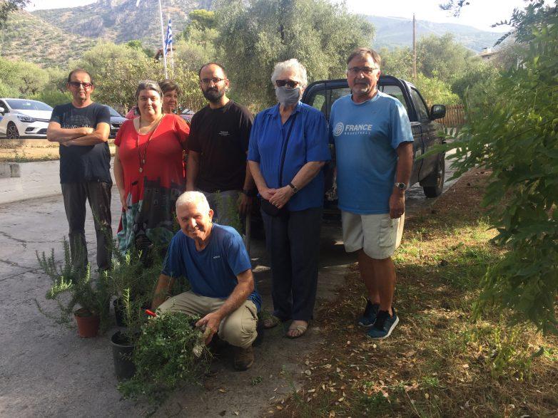 Διαμόρφωση εξωτερικών χώρων της Παιδόπολης με φύτευση αρωματικών φυτών