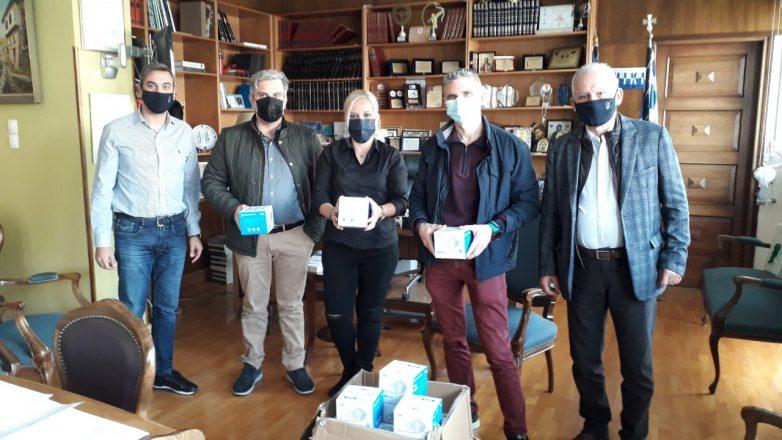 Δωρεά μασκών από την ΠΕΜΣ στο Νοσοκομείο Βόλου