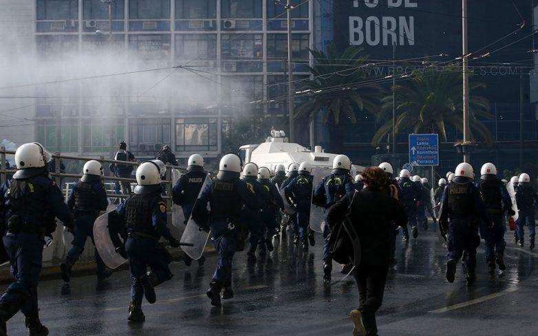 Επεισόδια μεταξύ ΚΚΕ και Αστυνομίας για το Πολυτεχνείο