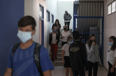 Τα συμπτώματα των παιδιών και οι οδηγίες των γιατρών