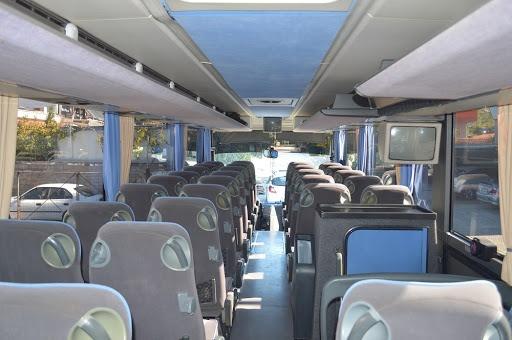 Έκτακτη επιδότηση για τα τουριστικά λεωφορεία που είχαν καταθέσει προσωρινά πινακίδες