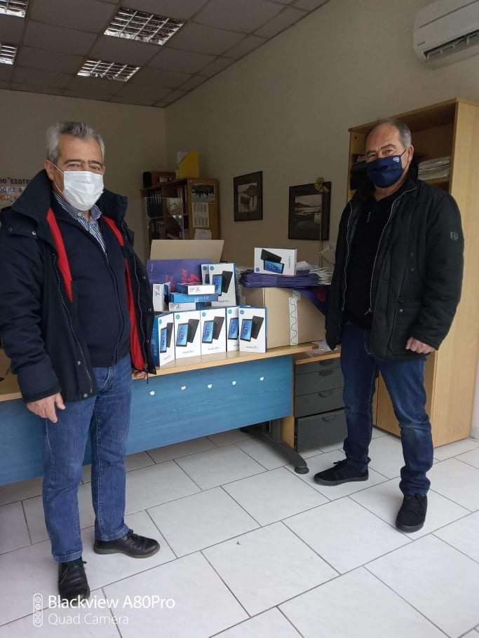 Tablets διατέθηκαν στις σχολικές μονάδες του Δήμου Ρήγα Φεραίου