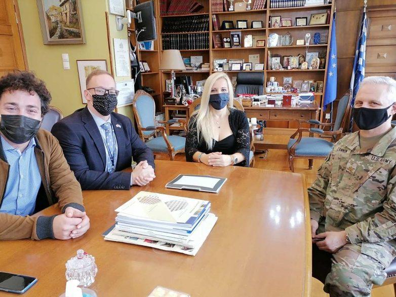 Επίσκεψη Αμερικανών στρατιωτικών στην αντιπεριφερειάρχη ΠΕΜΣ