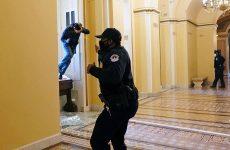 Οπλισμένοι οπαδοί του Τράμπ εισέβαλαν στο Καπιτώλιο