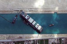 Διώρυγα του Σουέζ: Το πλοίο «Ever Given» άρχισε να κινείται