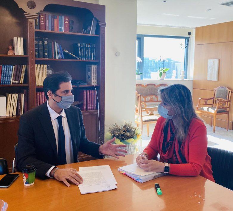 Η Ζέττα Μακρή με τον εθνικό εισηγητή για την καταπολέμηση της εμπορίας ανθρώπων