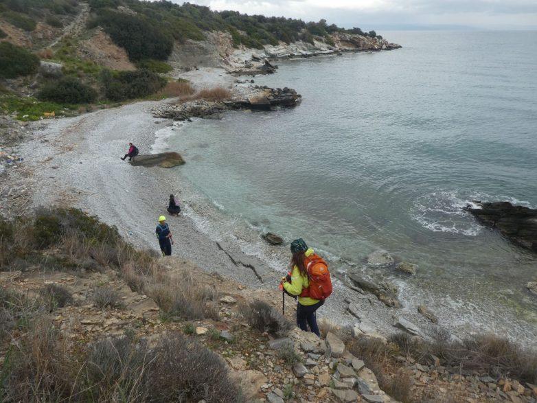 Ατομική πεζοπορία με έντονη οικολογική δράση και καθαρισμό 10 παραλιών από τον ΣΔΥ Βόλου