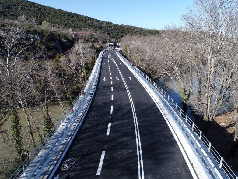 Παραδόθηκε στην κυκλοφορία η γέφυρα Πηνειού στα Τέμπη