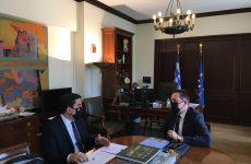 Συνάντηση δημάρχου Σκιάθου-αναπληρωτή υπουργού Εσωτερικών, αρμόδιο για θέματα Αυτοδιοίκησης