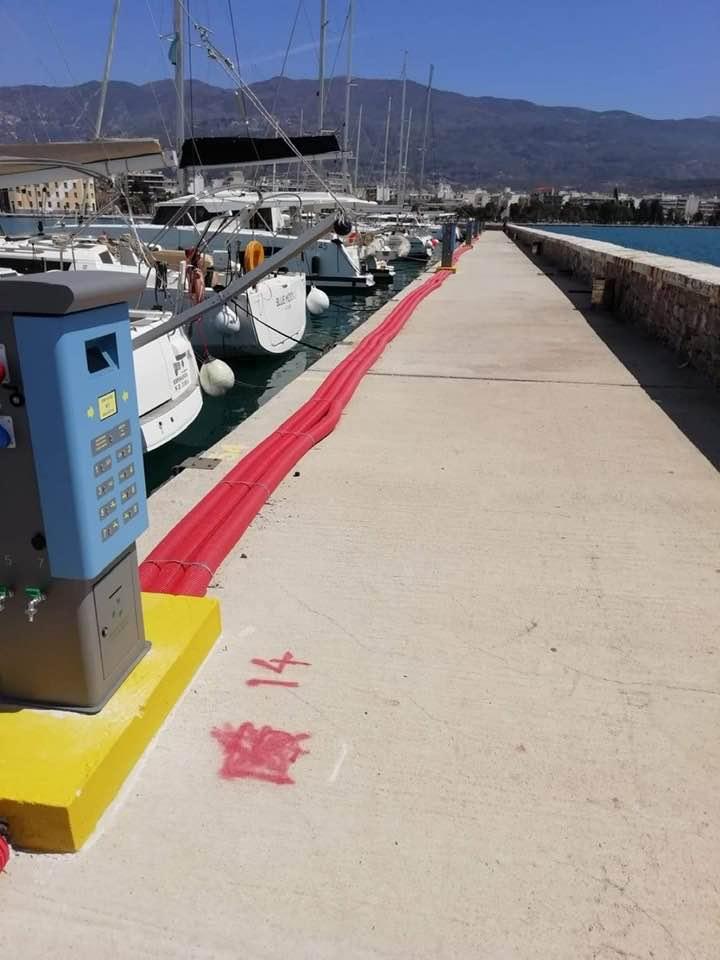 Κατασκευή δικτύων παροχής ύδατος και ρεύματος για την εξυπηρέτηση σκαφών αναψυχής στον προσήνεμο μώλο Λιμένα Βόλου