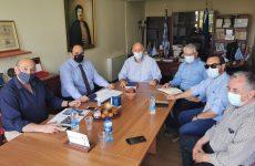 Επίσκεψη του γ.γ. Οικονομικής Πολιτικής στον δήμαρχο Ρήγα Φεραίου