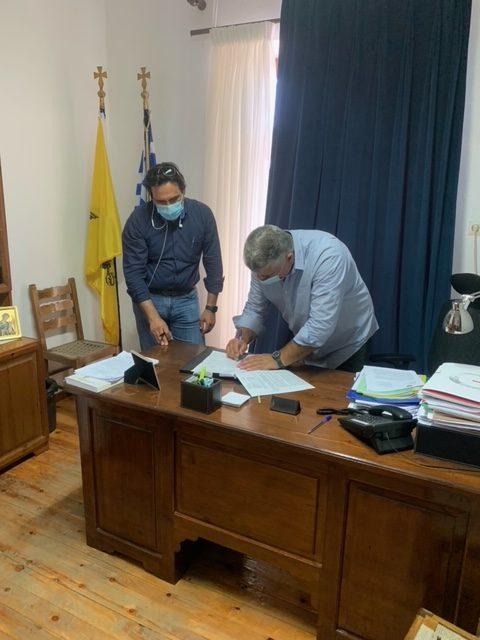 """Υπογραφή σύμβασης έργου αποκατάστασης αγωγών διανομής του Φράγματος """"Παναγιώτικο"""""""