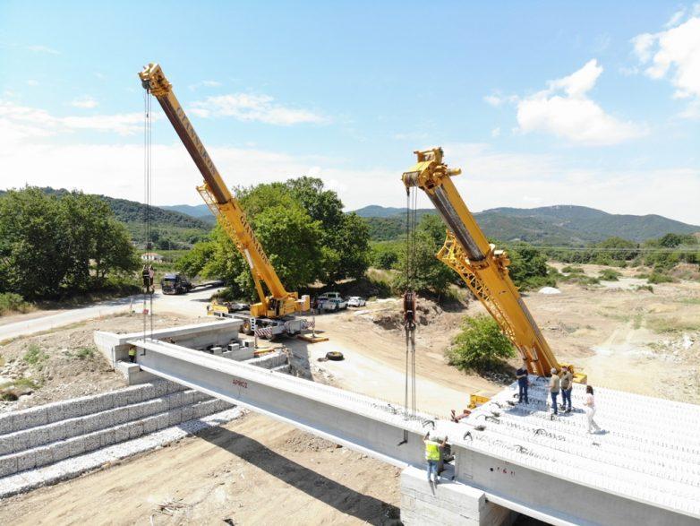 Προχωρούν οι εργασίες κατασκευής νέας γέφυρας στο Πουρί Αγιοκάμπου
