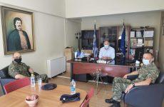 Συνάντηση δημάρχου Ρήγα Φεραίου με τον νέο διοικητή του 304 ΠΕΒ