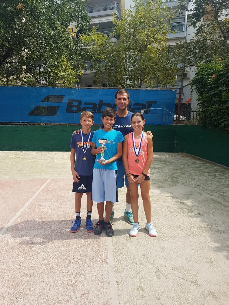 Κύπελλα και μετάλλια οι αθλητές του Ομίλου Αντισφαίρισης Μαγνησίας
