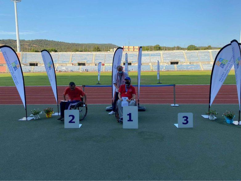 Χρυσό μετάλλιο με διπλό Πανελλήνιο ρεκόρ ο Γιώργος Καρνιαβούρας