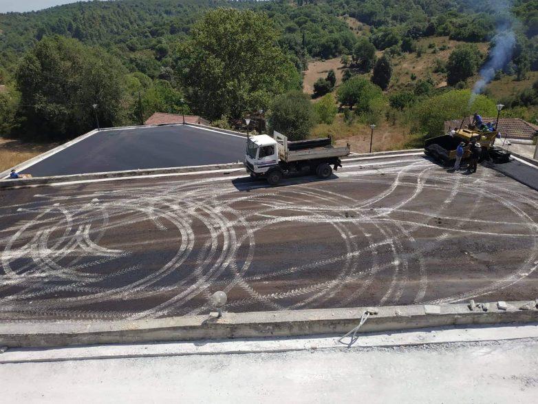 Ασφαλτοστρώθηκε το κεντρικό πάρκινγκ οχημάτων στον Λαύκο