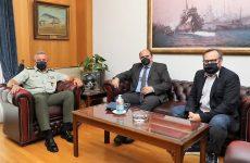 Χρ.Τριαντόπουλος: Συνεργασία με τον Αρχηγό ΓΕΕΘΑ για ζητήματα λιμενικών εγκαταστάσεων