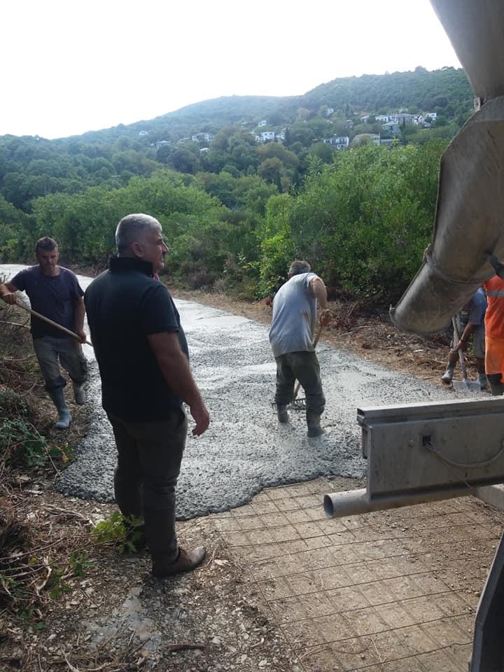 Συντήρηση και αποκατάσταση αγροτικής οδοποιίας στην Δ.Ε. Μηλεών