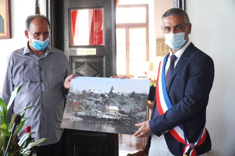 Αναθέρμαναν τους στενούς δεσμούς 32 ετών οι αδελφοποιημένοι Δήμοι Ζαγοράς – Μουρεσίου και Juigne (Γαλλία)