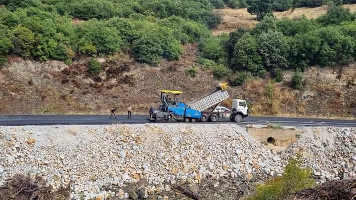 Το δρόμο Ευξεινούπολη–Νεοχωράκι–Νεράϊδα–Ανθότοπο βελτιώνει η Περιφέρεια Θεσσαλίας